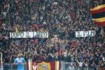 Roma-Napoli, in curva gli striscioni contro la madre di Ciro Esposito