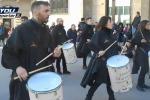I tamburi aprono la Processione dei Misteri a Trapani