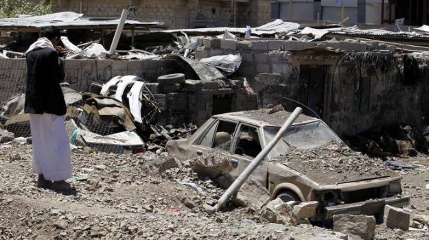Arabia Saudita, MISSILI, raid, ribelli, Yemen, Sicilia, Mondo