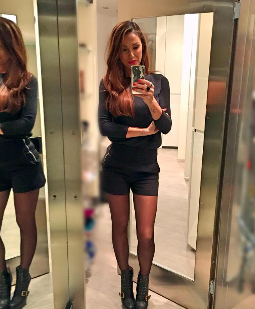 Selfie Anna Tatangelo nude (52 foto and video), Sexy, Bikini, Feet, braless 2006
