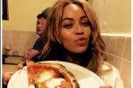 Pizza e gelato per Beyoncè: le foto della sua vacanza a Firenze