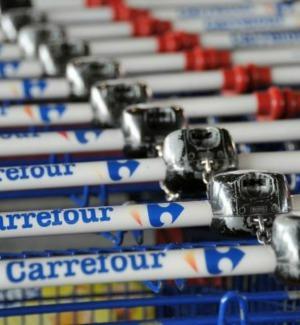 Bonus nascita, premi pure per i nonni e sconti: siglato l'accordo Carrefour