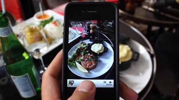 cibo, servizio a domicilio, Sicilia, Società