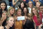Verso la finale di Champions, selfie sugli spalti per le donne dei bianconeri: Ilaria D'Amico new entry, anche lei volerà a Berlino