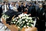 Chiesa gremita per l'ultimo saluto all'avvocatessa di Gela - Il video