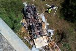 Incidente sulla Palermo-Catania: le immagini del furgone precipitato dal viadotto