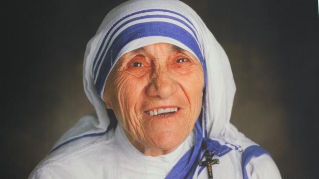 Canonizzazione, miracolo, papa, vaticano, madre teresa di calcutta, Sicilia, Cronaca