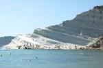Scala dei Turchi, sindaco e consiglieri comunali ripuliscono la spiaggia
