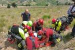 Motociclista cade in un dirupo: salvato, ma è grave - Foto