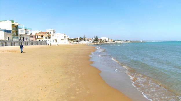 mostra fotografica, spiagge ragusa, Ragusa, Cultura
