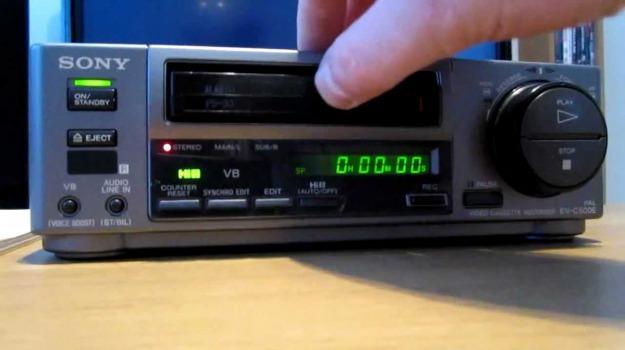 40 anni, videoregistratore, Sicilia, Società