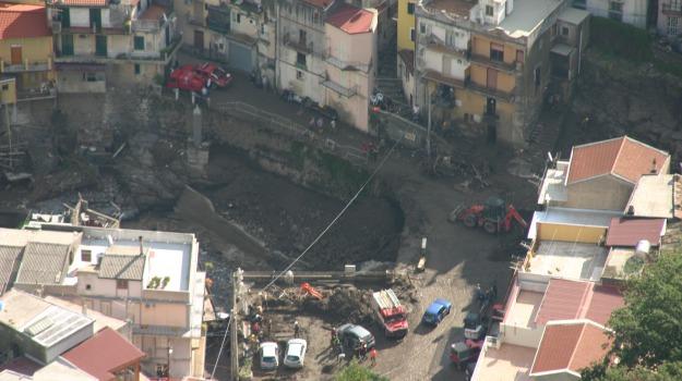alluvionati, contributi, famiglie, Giampilieri, messina, Messina, Economia