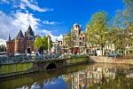 Amsterdam, auto travolge i pedoni: 5 feriti