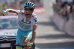 Aru fa il bis e sfiora la maglia rosa Contador in crisi ma resiste, il Giro è suo