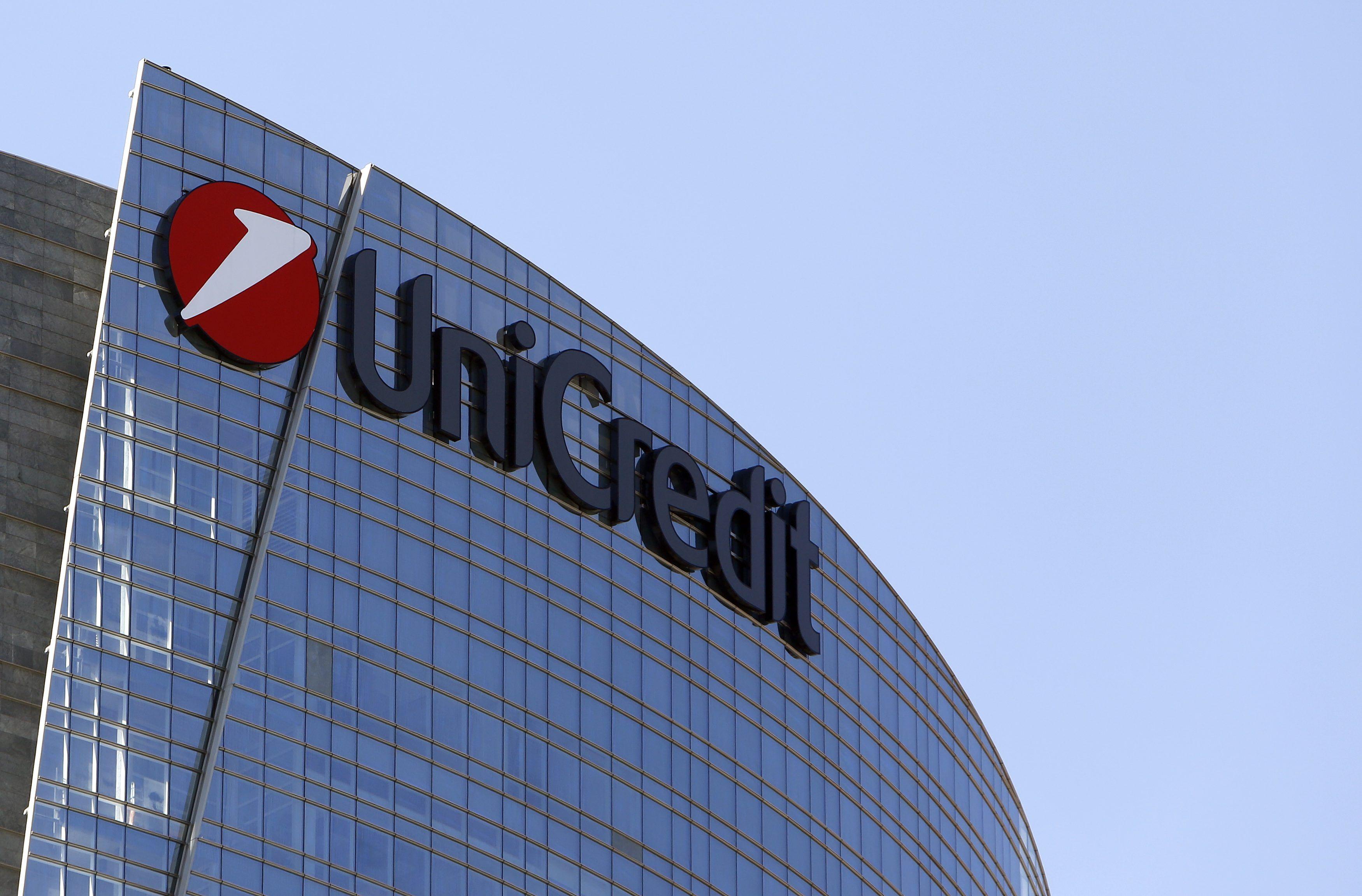 Unicredit annuncia 6500 esuberi e la chiusura di 800 filiali in Italia entro il 2019