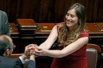 Abbracci e baci in Aula, il ministro Boschi festeggia il sì all'Italicum - Foto