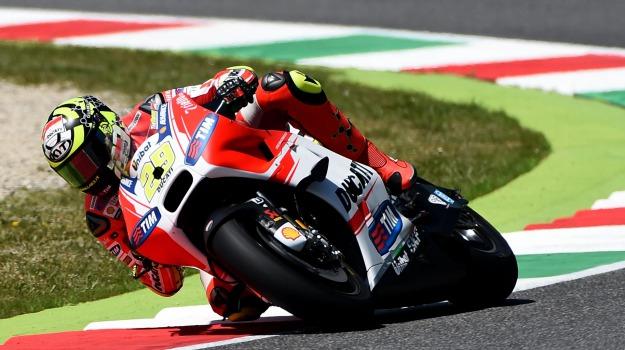 moto gp, motomondiale, pole position, qualifiche, Andrea Dovizioso, Andrea Iannone, Jorge Lorenzo, Valentino Rossi, Sicilia, Sport