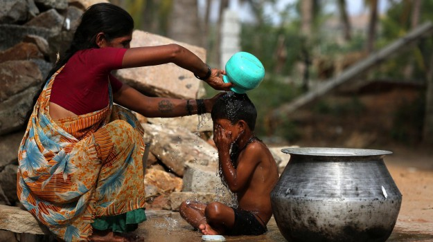 bambini morti ospedale india, Sicilia, Mondo