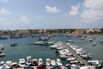 Perdono il controllo dello scooter e finiscono in mare, zia e nipote salvati a Lampedusa