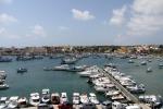 Onde giganti a Lampedusa, imbarcazioni affondate e pontili divelti: nessun ferito