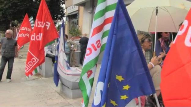 ex province, precari, regione siciliana, Sicilia, Economia, Politica