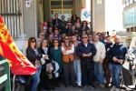 Asp, protesta sul tetto dei lavoratori Sims contro licenziamenti