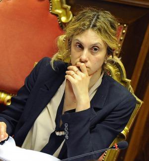 Statali, firmato l'accordo: aumento medio non inferiore a 85 euro