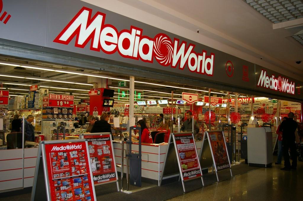 Mediaworld Al Posto Di Max Living 120 Assunzioni Giornale Di Sicilia