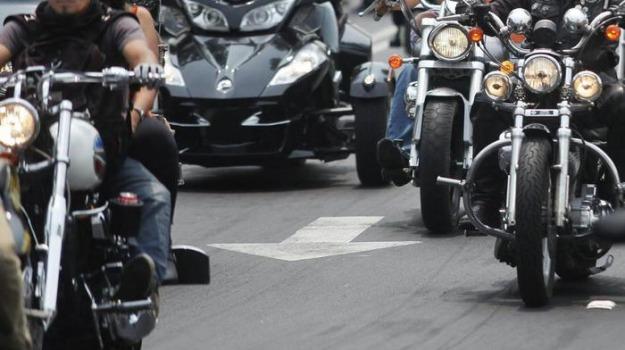 motociclisti, sparatoria, Sicilia, Mondo
