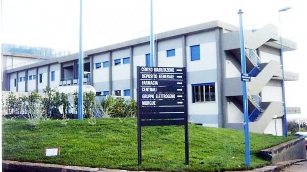 ospedale giarre, Catania, Cronaca