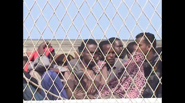 Sicilia, Migranti e orrori