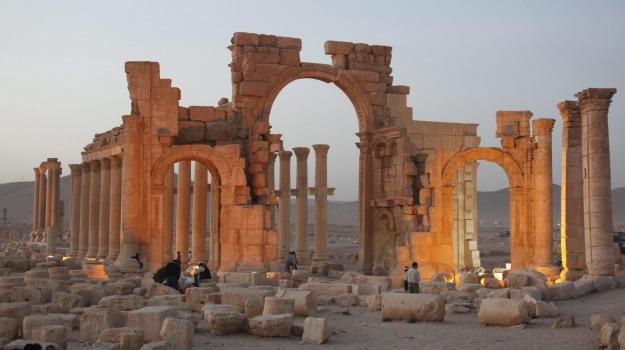 Isis, Palmira, sito archeologico, Sicilia, Mondo