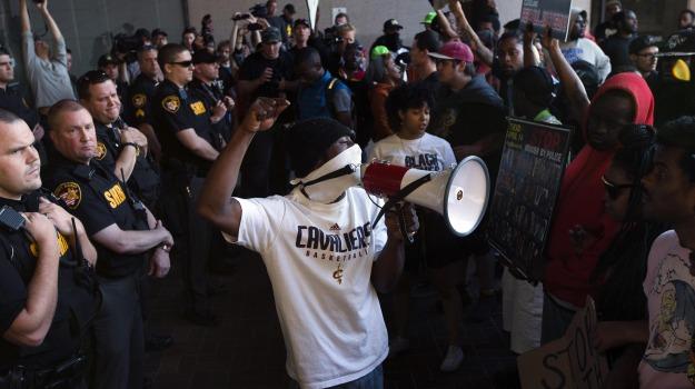 arresti, neri, polizia, protesta, scontri, USA, Sicilia, Mondo