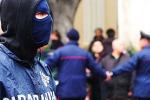 Estorsione nelle campagne messinesi, gli imprenditori denunciano: 12 arresti