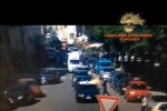 Scicli, ferma un'auto dei carabinieri e le da fuoco