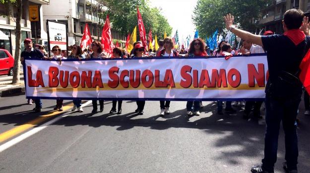 cobas, scrutini, scuola, Sicilia, Politica