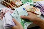 """Sono 62 i """"paperoni"""" più ricchi di metà della popolazione mondiale"""