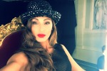 Paura per Anna Tatangelo, illesa dopo un incidente in autostrada