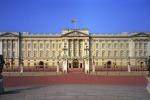 Lavori a Buckingham Palace, la regina Elisabetta costretta a traslocare