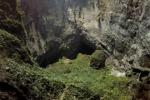 Lunga 9 chilometri, larga 200 metri: drone riprende la caverna più grande del mondo