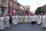 Fede e tradizione, a Trapani la processione del Corpus Domini