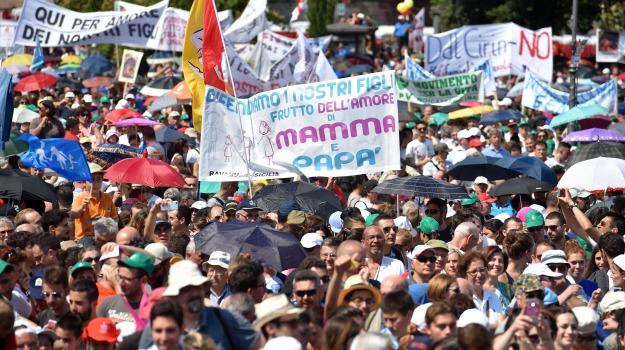 cattolici, Familyday, polemiche, roma, S.Giovanni, unioni gay, Sicilia, Cronaca