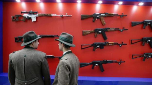 armi, Crisi, Grecia, kalashnikov, produzione, Russia, Sicilia, Mondo