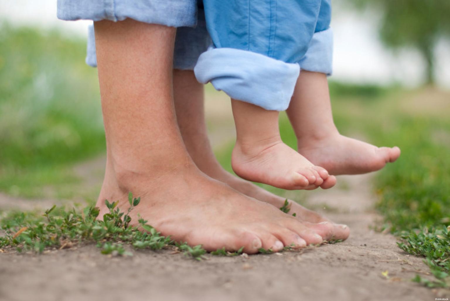 Rilassa e fa bene ai muscoli camminare a piedi nudi for Planimetrie di 1400 piedi quadrati