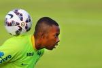 """""""Violenza sessuale di gruppo"""", nove anni all'ex calciatore del Milan Robinho"""