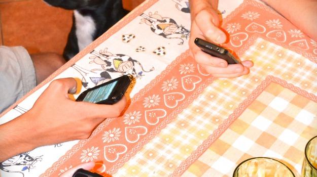 cattive abitudini, smartphone, Sicilia, Società