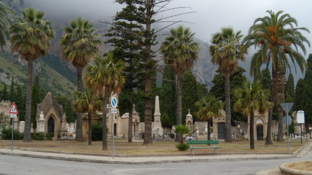 Cimitero, incendio, Palermo, Rotoli, Palermo, Cronaca