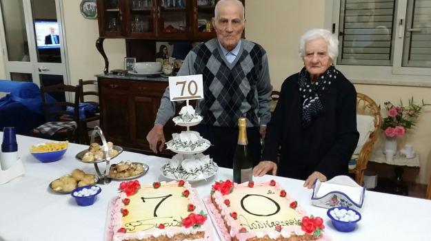 Anniversario Di Matrimonio 70 Anni.Montevago Coppia Record Festeggia 70 Anni Di Matrimonio