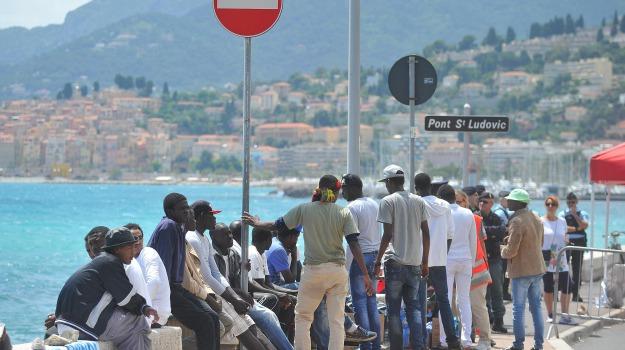 francia, frontiera, immigrazione, italia, migranti, Sicilia, Migranti e orrori