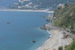 Pericolosa erosione sul lungomare di San Gregorio
